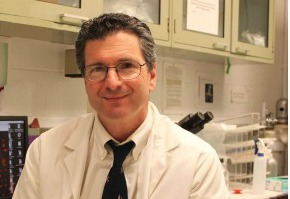 Photo of Dr. Christopher Albanese in his lab
